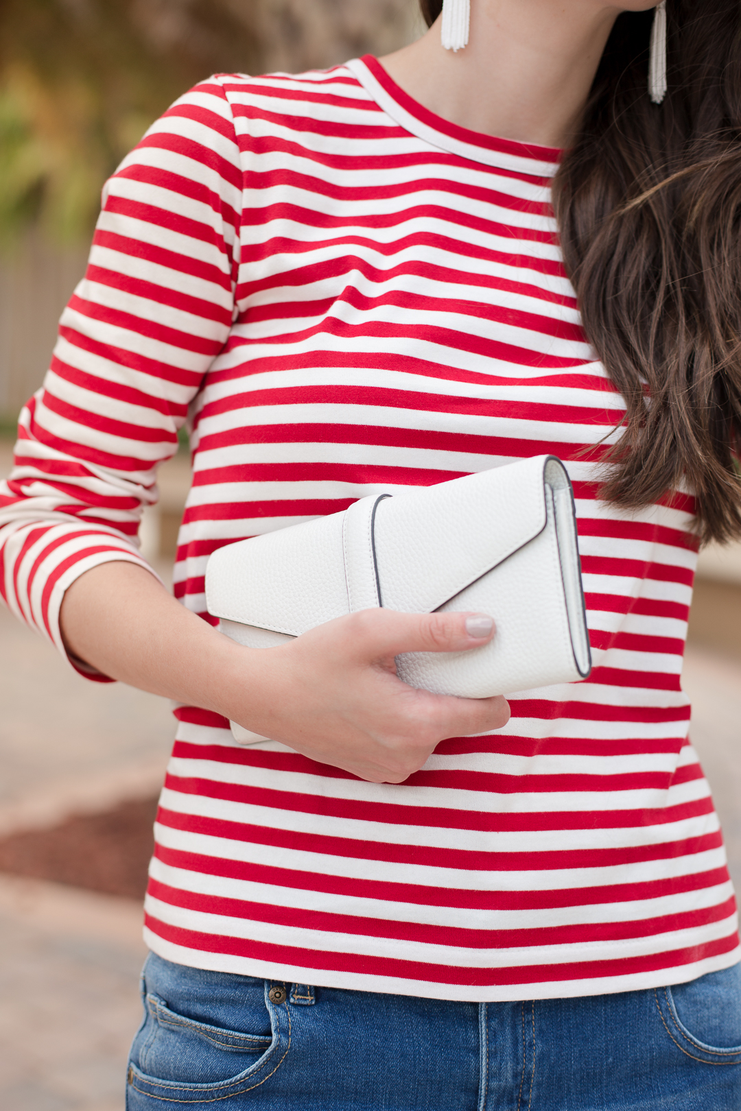 This white ECCO clutch is perfect for summer